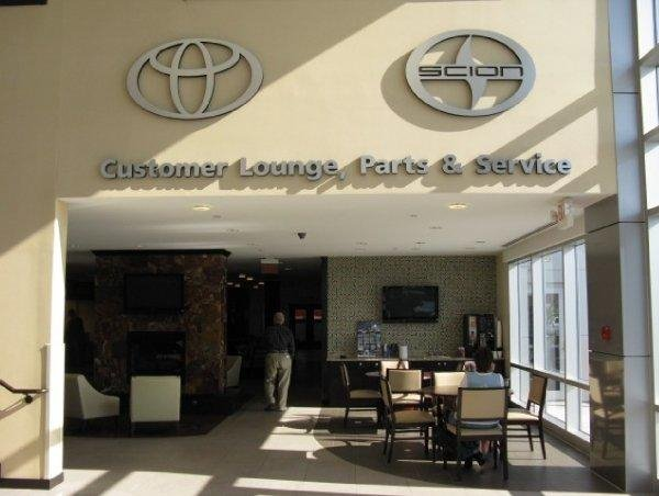 Customer Lounge, Parts and Service