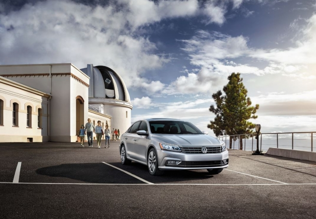 Volkswagen Passats available in Orland Park, IL at Volkswagen of Orland Park