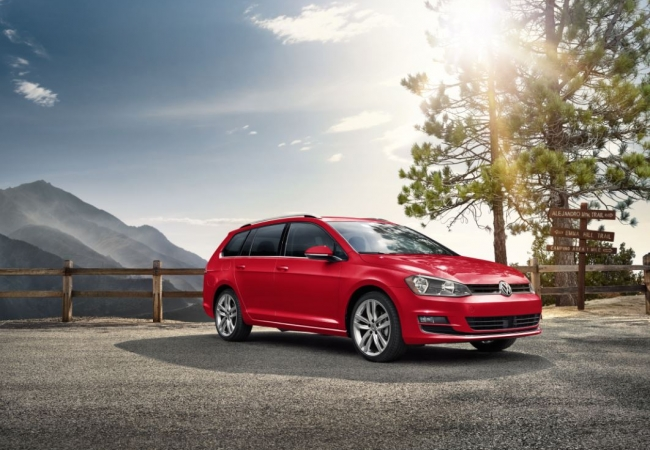 Volkswagen Golf SportWagens available in Hazelwood, MO at Bommarito Volkswagen