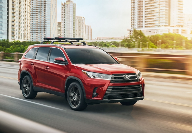 Toyota Highlanders available in Minot, ND at Minot Toyota