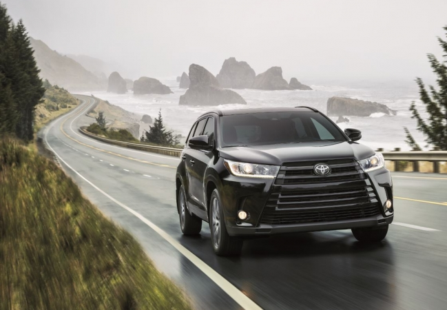 Toyota Highlanders available in Newark, NJ at Autoland Toyota