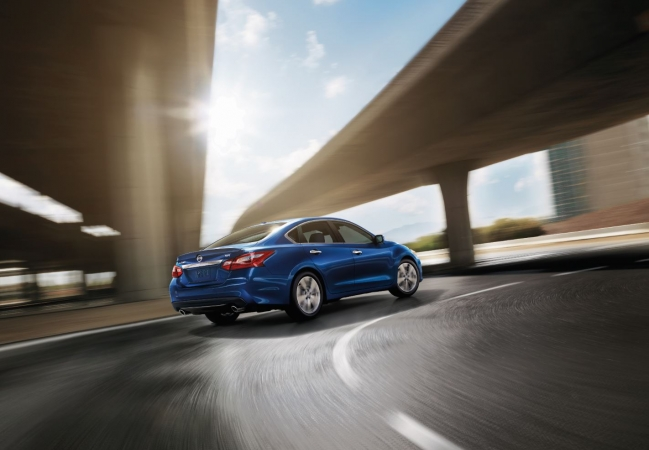 Nissan Altimas available in Hazelwood, MO at Bommarito Nissan of Hazelwood