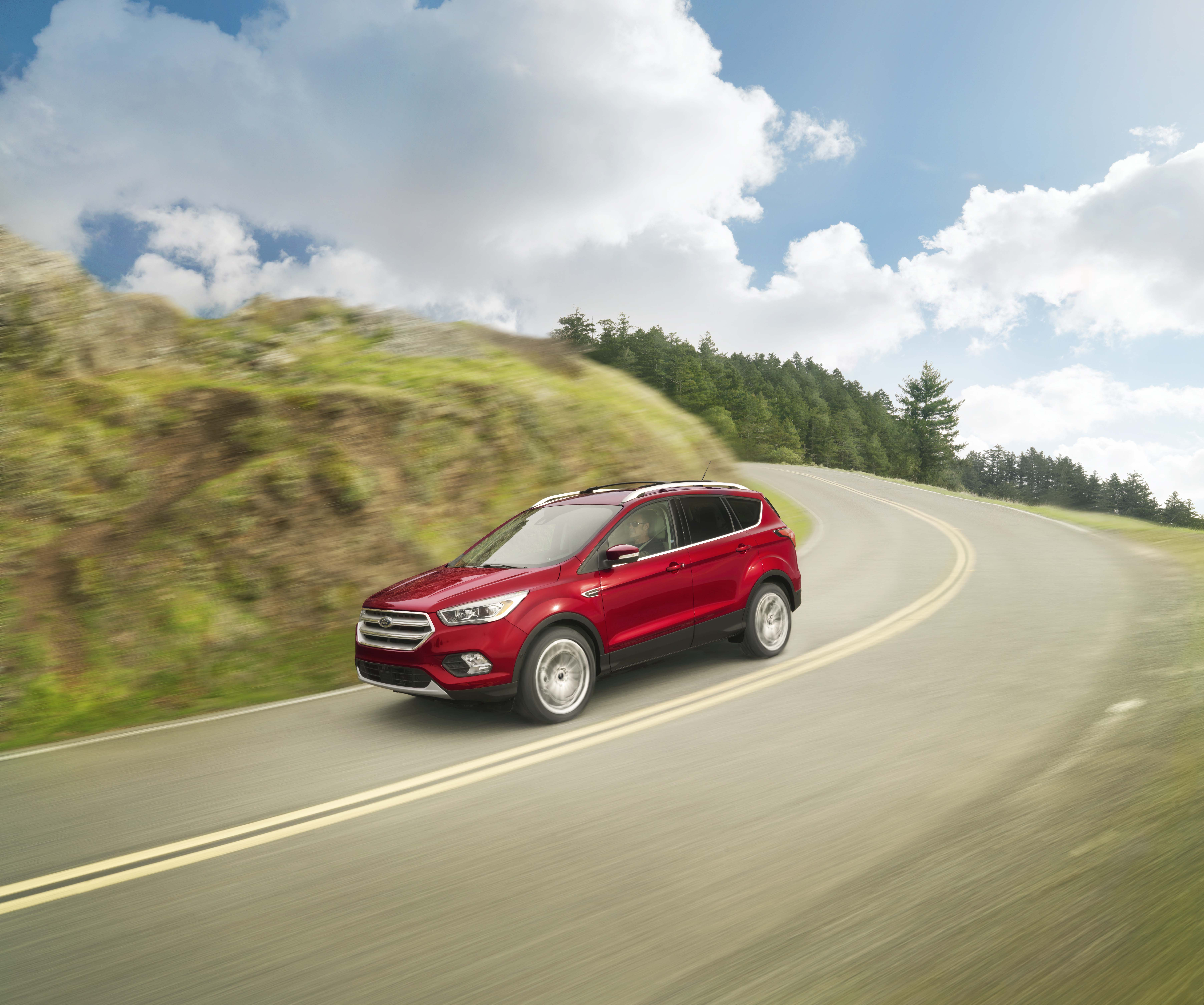 Ford Escapes available in Elizabethtown, KY at Oxmoor Ford Lincoln