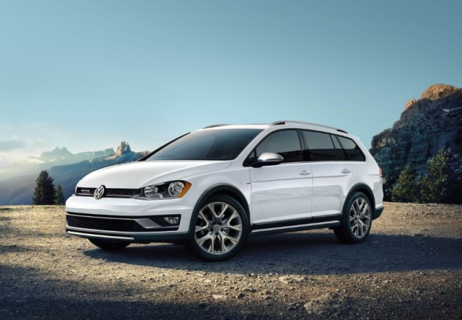 Volkswagen Golf Alltracks available in Toms River, NJ at Toms River Volkswagen