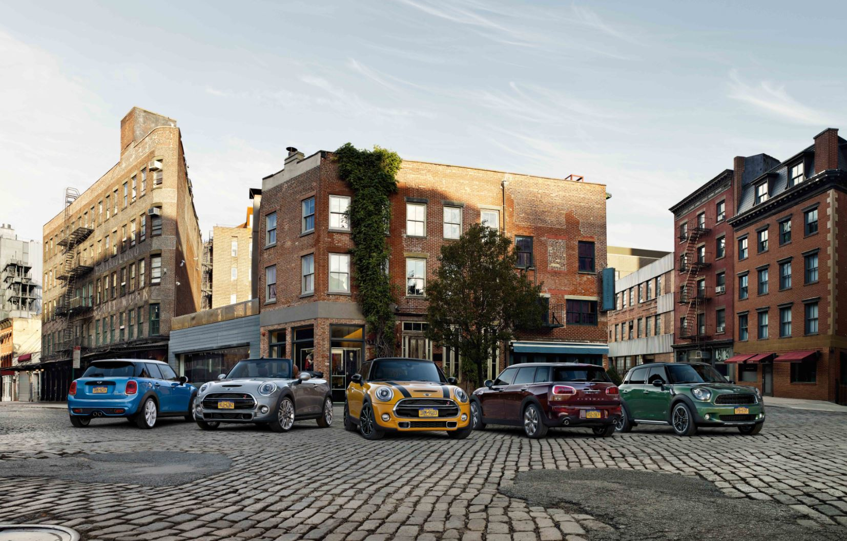 Lease a MINI in Naperville, IL